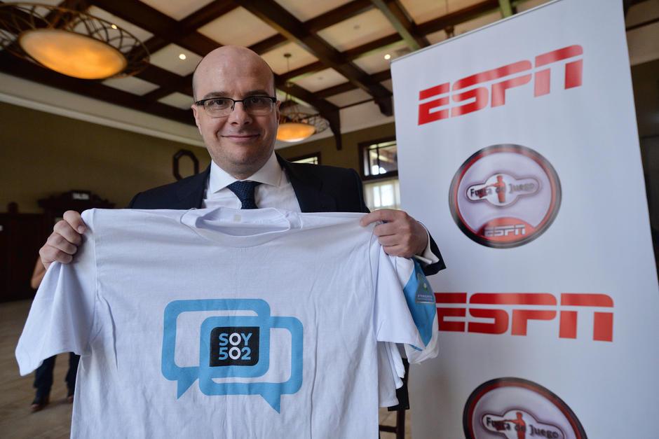 Mister Chip recibió con emoción la llegada de Carlos Ruiz a Twitter. (Foto: Archivo/Soy502)