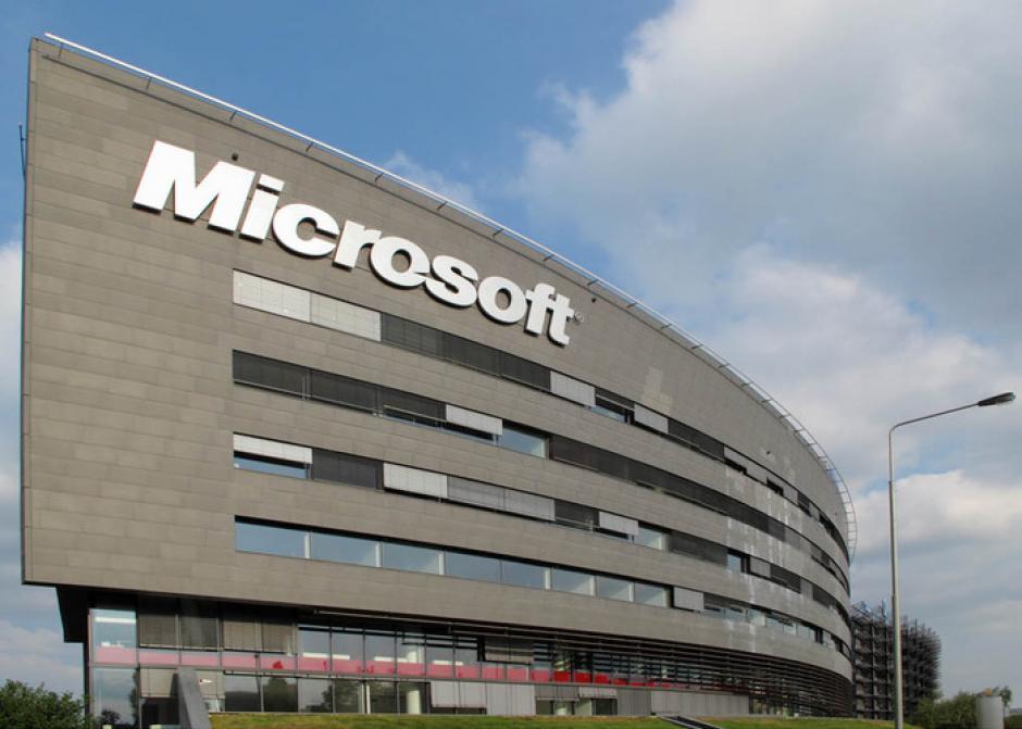 Microsoft ocupa el tercer lugar con un valor de 122 mil millones de dólares. (Foto: winphonemetro.com)