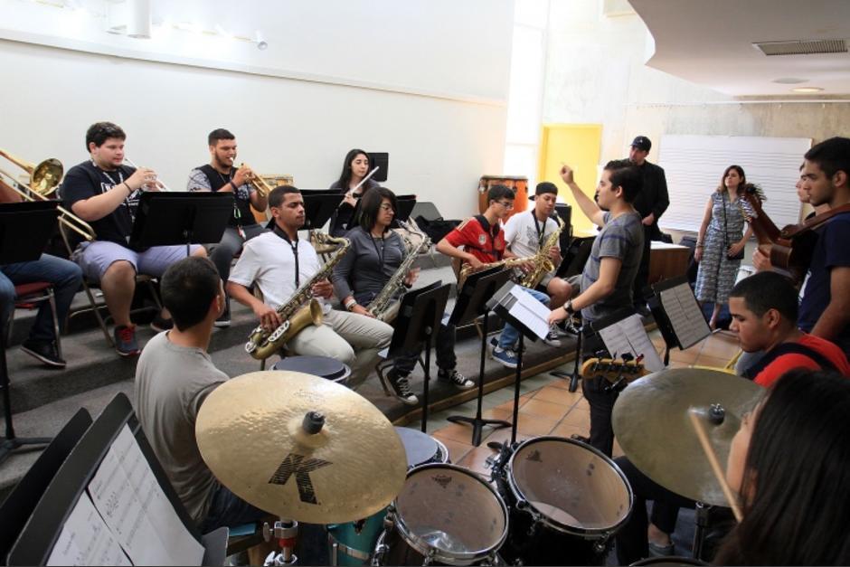 La Fundación Cultural Latin Grammy ofrece tres tipos de becas para músicos guatemaltecos. (Foto: latingrammy.com)