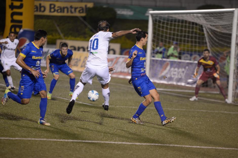 José Manuel Contreras fue uno de los que más intentó abrir el marcador. (Foto: José Dávila/Soy502)