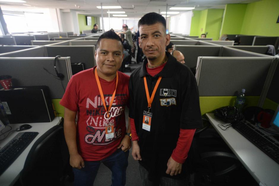 Máximo De León y Esaú Revolorio son dos guatemaltecos que regresaron de Estados Unidos y encontraron una oportunidad para laborar en Capital Valley. (Foto: Wilder López/Soy502)