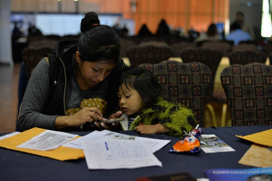 Hasta los más pequeños acompañaron a sus madres. (Foto: Wilder López/Soy502)