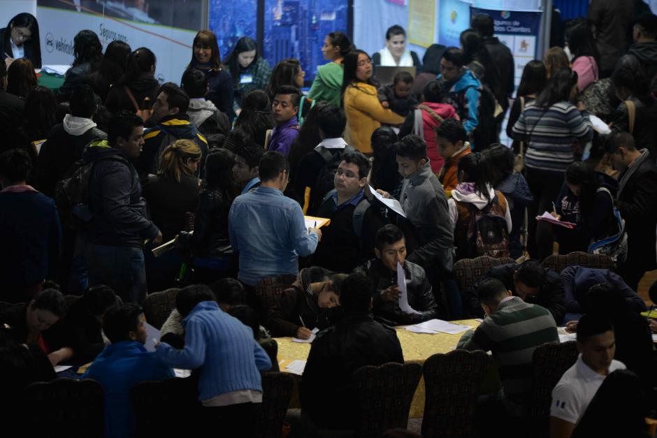 La gran afluencia es un reflejo de la necesidad de los jóvenes. (Foto: Wilder López/Soy502)