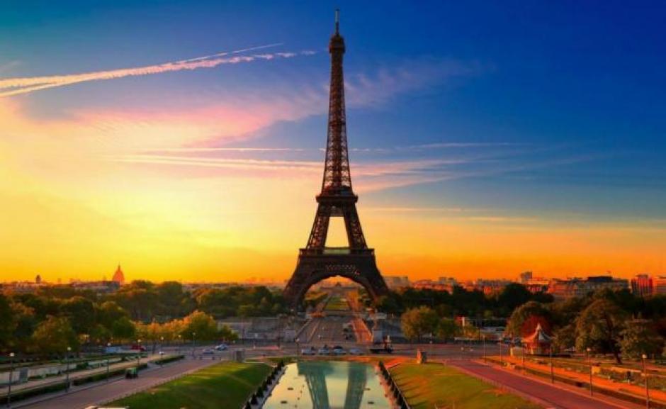 La cuenta oficial en Twitter de la Torre Eiffel le contestó a Ibrahimovic