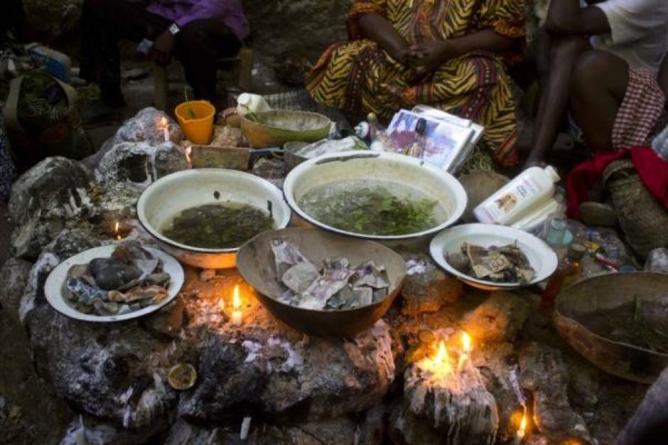 Hubo rituales durante la peregrinación vudú en Haití. (Foto: Infobae)