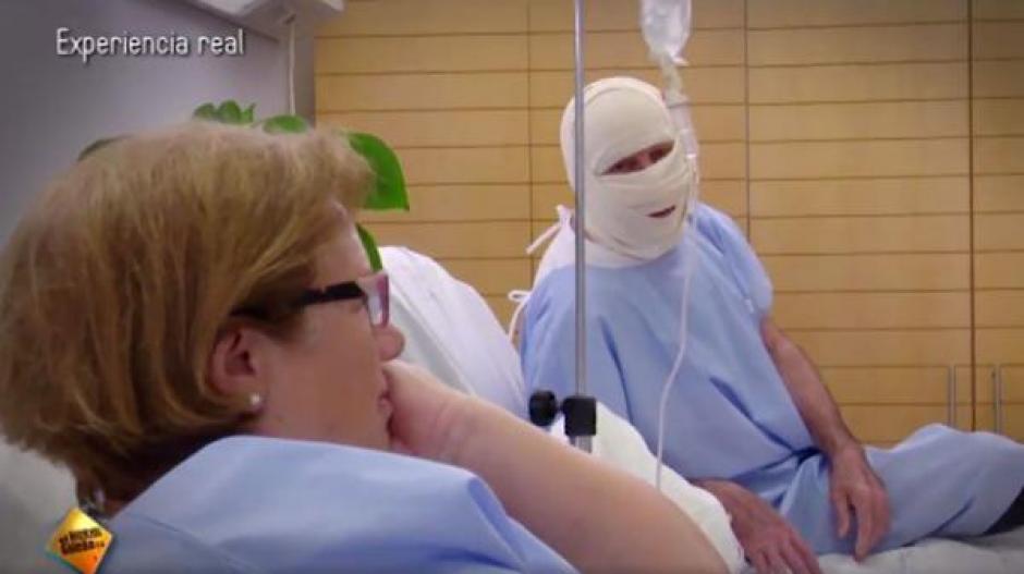 José Luis Perales visitó a Isabel, una mujer que padece de cáncer en una clínica especializada. (Foto: Infobae)
