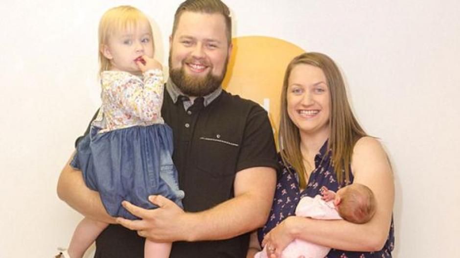 La familia visitó un programa matutino en Inglaterra donde contó su experiencia. (Foto: Infobae)