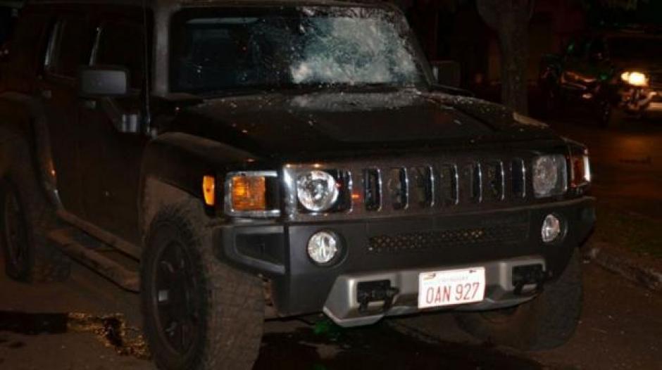 Las autoridades confirman que la camineta blindada recibió 200 impactos de bala. (Foto: Infobae)