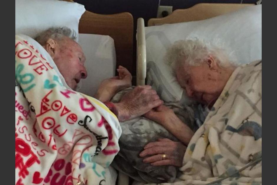 La pareja se mantuvo siempre unida hasta el fallecimiento de la abuela de una usuaria de Reddit, que compartió la foto. (Foto: Reddit)