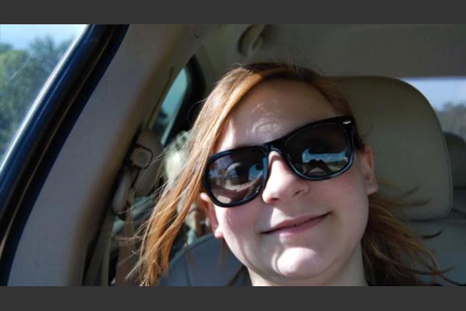 Harper Kurtz viajaba junto a su madre en una autopista cuando encontró algo extraño en su selfie. (Foto: Infobae)