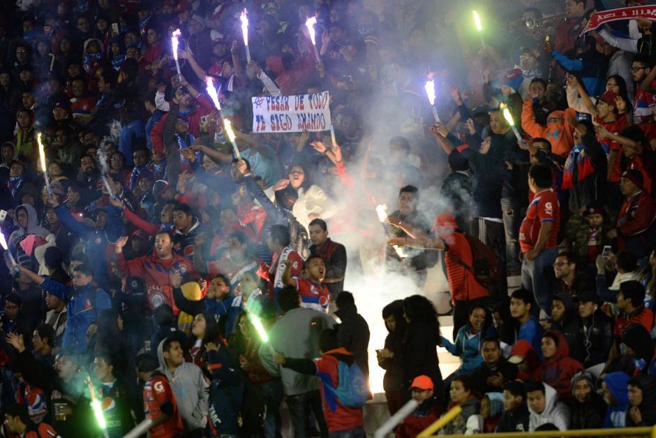 La fiel afición de Xela volvió a responder en buen número sobre el estadio Mario Camposeco. (Foto: Nuestro Diario)