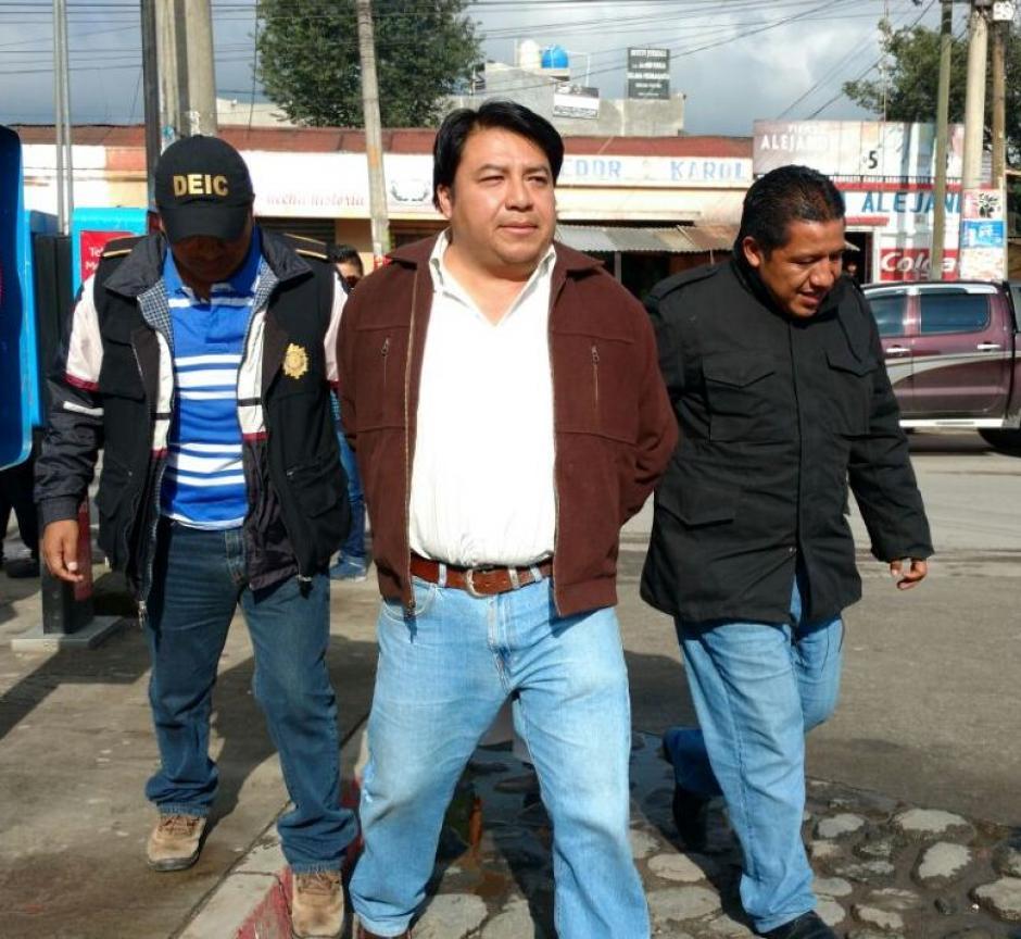 Las autoridades también detuvieron a Melvin Cloyt por el delito de tráfico de influencias.  (Foto: PNC)