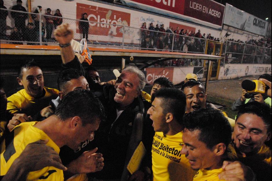 El técnico uruguayo, Ariel Sena, subcampeón con Guastatoya, aceptó la propuesta de Platense de Honduras.(Foto: Nuestro Diario)