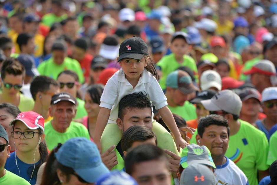 Miles de guatemaltecos acudieron al llamado para ayudar a los niños. (Foto: Wilder López/Soy502)