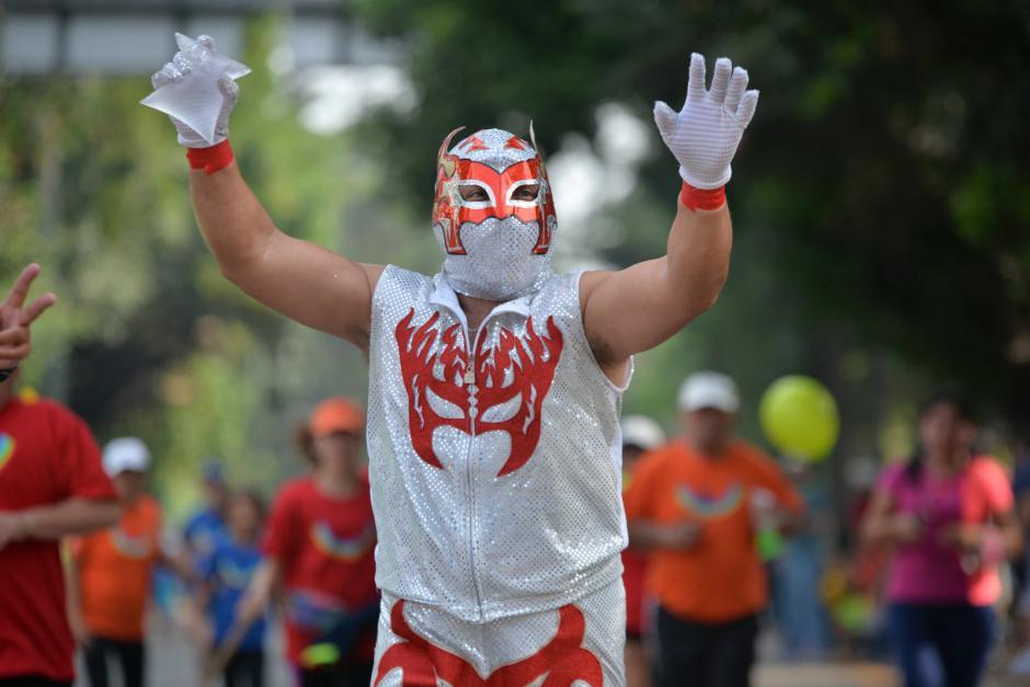 Algunos participantes asistieron disfrazados. (Foto: Wilder López/Soy502)