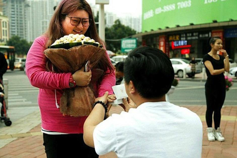 Yan Tai le pidió matrimonio a You Pan. (Foto: sopitas.com)