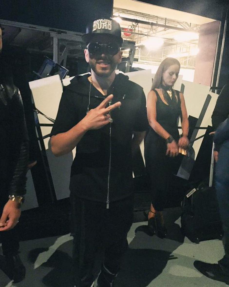 Yandel previo a su presentación en los Latin AMAs. (Foto: Latin AMAs oficial)
