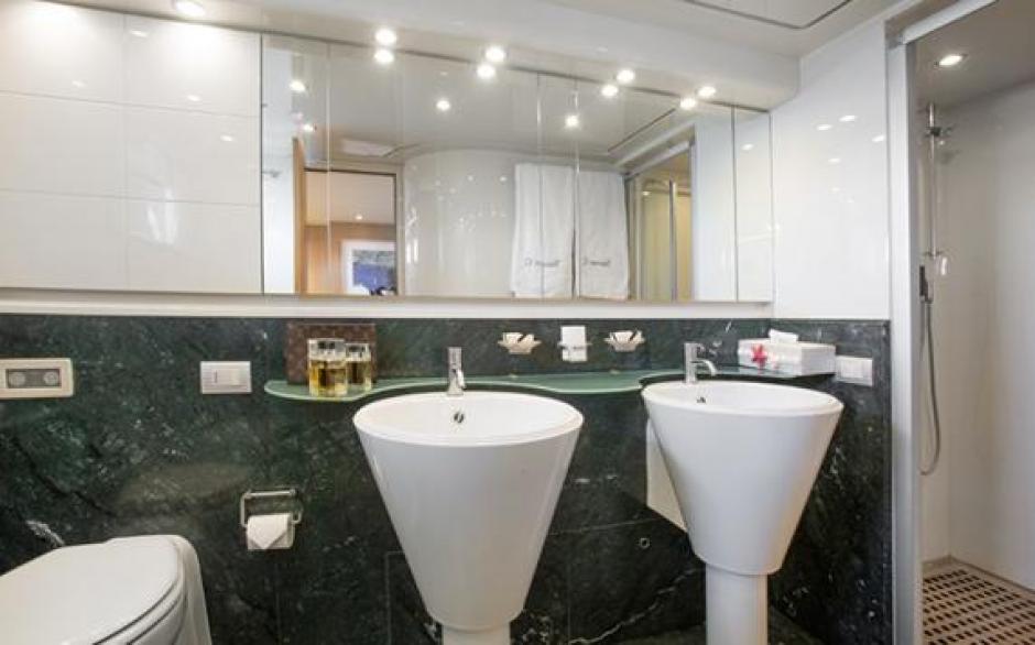 Los baños del Seven C son lujososo y cómodos. (Foto: TN)