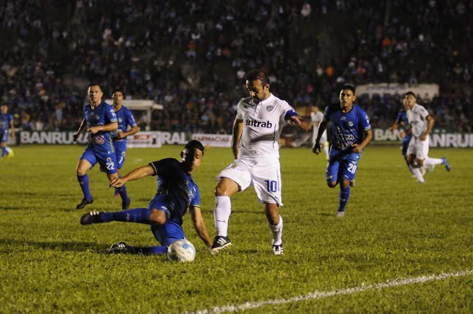 Cobán superó a Comunicaciones en el estadio José Ángel Rossi. (Foto: Nuestro Diario)