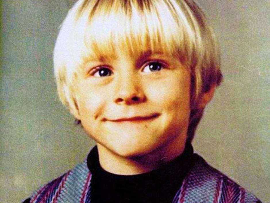 Fue un niño normal que luego se convirtió en un adolescente reprimido y rechazado que siempre fue en contra de lo establecido