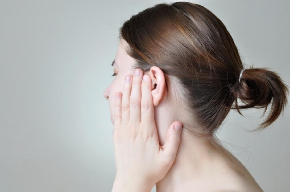 Zumbidos en los oídos. (Foto: Genial Gurú/Depositphotos)