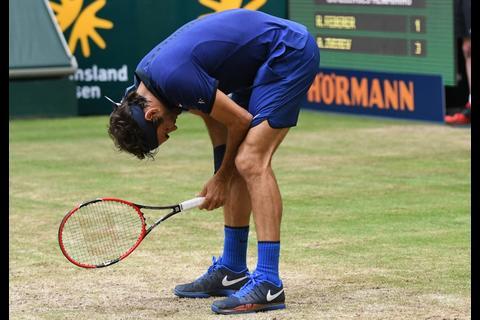 Tenis: Federer eliminado en Alemania, cayó ante Zverev, de 19 años