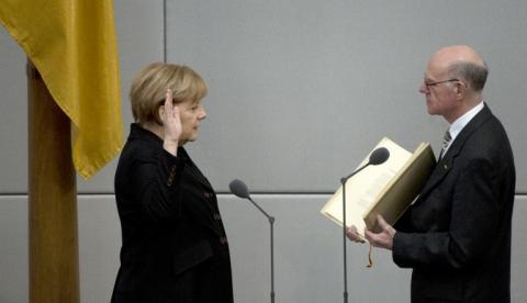 Angela Merkel agranda su poder con tercer mandato de gobierno