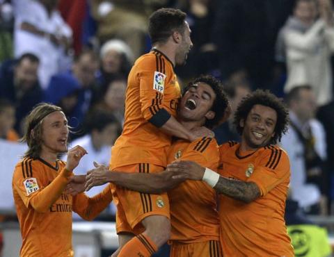 Pepe salva al Real Madrid y lo acerca a los líderes de la Liga