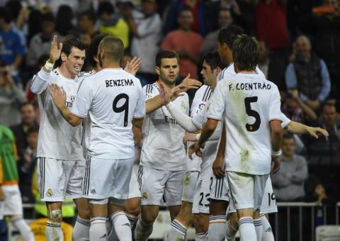 El Real Madrid derrota al Almería y deja al Barça en el tercer lugar