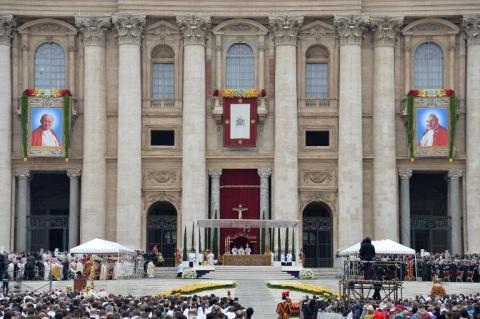 Juan Pablo II y Juan XXIII, proclamados Santos por el papa Francisco