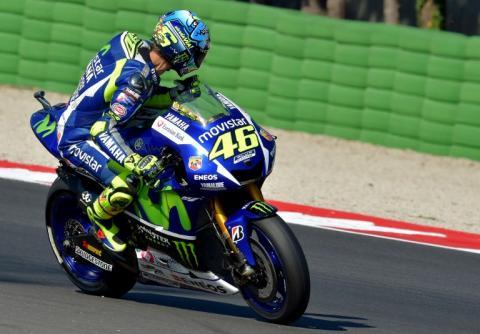 Rossi será amonestado por molestar a Lorenzo durante la calificación