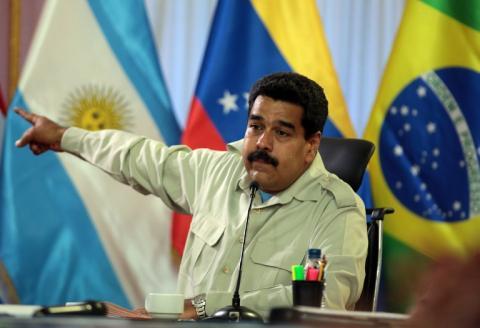 Maduro anuncia la expulsión de tres funcionarios estadounidenses