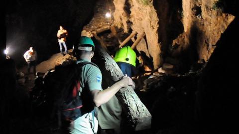 Guatemala envía especialistas para colaborar en rescate de mineros
