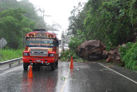 Depresión Tropical 2-E se aleja pero sigue afectando al Suroccidente