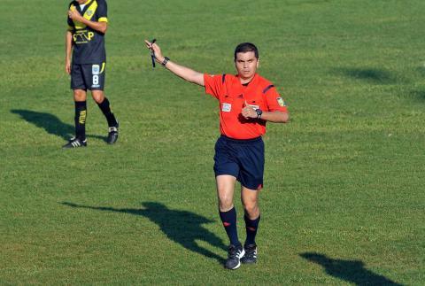 Polémica por cambio de árbitro en la final de vuelta del Apertura