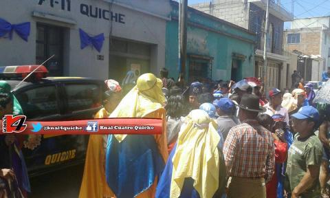 Trifulca durante Viacrucis deja varios heridos en Santa Cruz, Quiché