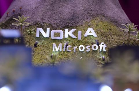 Nokia aprueba la venta de la división de móviles a Microsoft