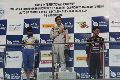 Joven guatemalteco que apunta a la Fórmula 1 sube al podio en Italia