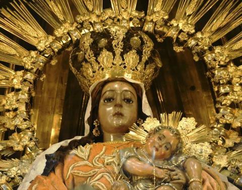 Especial celebración a la Virgen del Rosario