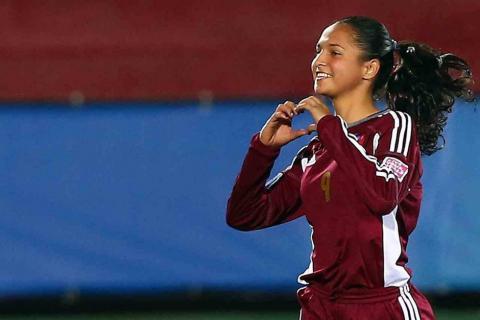 "Deyna Castellanos: ""Messi venezolana"" que deslumbra al fútbol femenino"