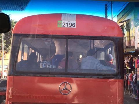 Extorsión exprés, la nueva modalidad de asalto en los buses urbanos