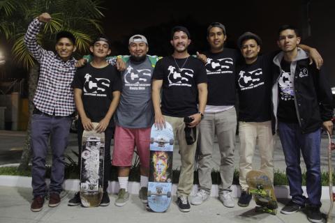 Christian Skaters, los jóvenes que ayudan en patineta al prójimo