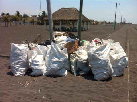 ¿Cuánta basura fue recolectada en las playas del Puerto San José?
