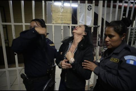 """Agitada mañana en Torre de Tribunales: """"La Patrona"""" casi se desmaya"""