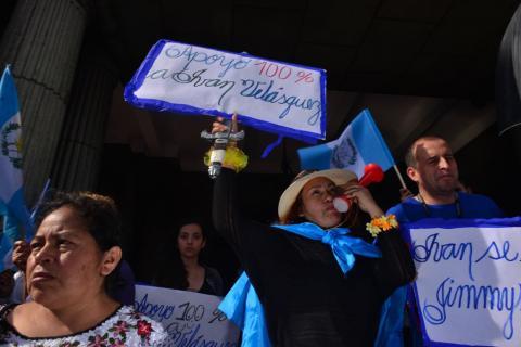 La Plaza recupera su grito contra la corrupción