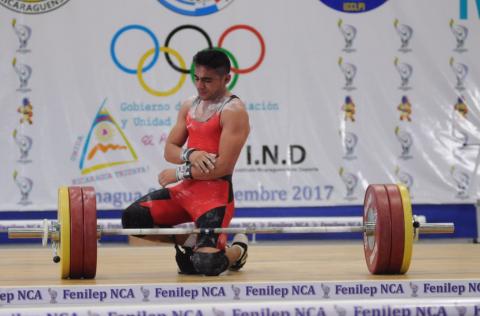 Esfuerzo impresionante: Pineda se lesiona al ganar medalla de plata