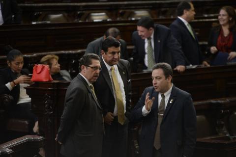 Avanza la reforma electoral que propone reducir el número de diputados