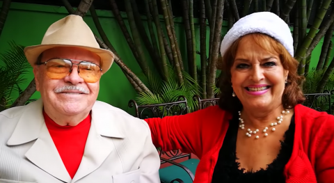 "Guatemaltecos viralizan ""jingle"" navideño de B&B que cumple 53 años"