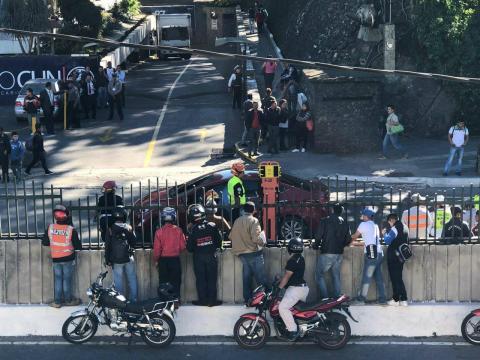 Ataque armado en el Centro Cívico deja a un conductor fallecido