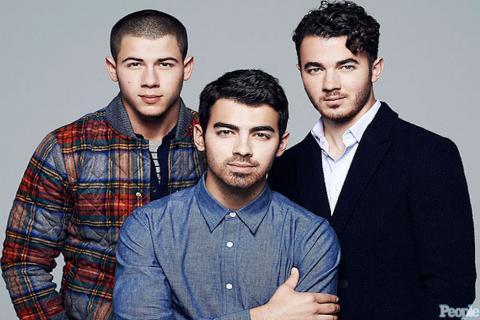 ¿Por qué citaron a integrante de Jonas Brothers a juicio de FIFA Gate?